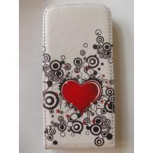 Кожен калъф Flip тефтер за Apple iPhone 5 / iPhone 5S - бял със сърце / гравирана кожа